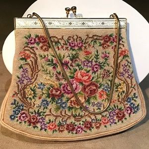 🌺1940's Petit Point Embroiled Purse